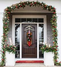 Christmas Decorations For Outside Door by Outdoor Christmas Decorations