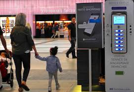 smartphone charging stations making strong connections between
