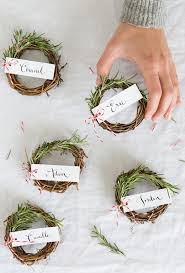 Decoration For Christmas Dinner by 25 Best Christmas Place Cards Ideas On Pinterest Christmas