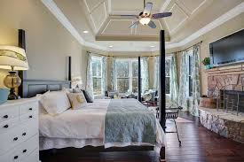 Master Bedroom Ceiling Fans by Traditional Master Bedroom With Cathedral Ceiling U0026 Ceiling Fan In