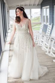 wedding dresses for curvy brides search no more check out these 9 plus size bridal boutiques