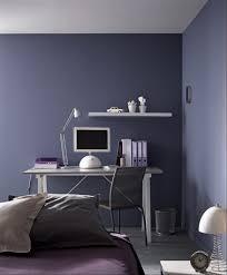 mur chambre ado peinture violet dans chambre ado meuble métal gris