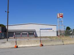 file cape cod factory outlet mall store jpg wikimedia commons