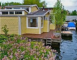 see homes that will float your boat