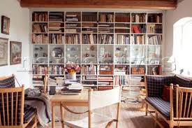 living room books courtpie