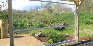 windschutz fã r balkone windschutz fur terrasse durchsichtiges folienrollo fa 1 4 r