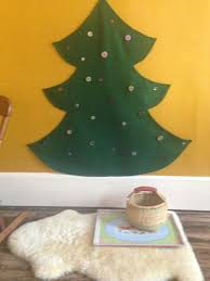 felt tree with buttons for hanging ornaments