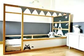 chambre enfant toboggan toboggan chambre cabane lit ikea upcycling lit kura ikea chambre