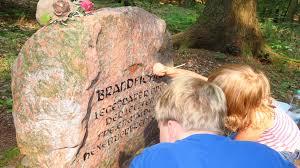 Amtsgericht Bad Freienwalde Das Denkmal An Der Brandfichte Erstrahlt Im Neuen Glanz Die