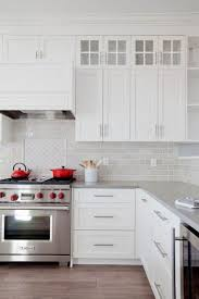 kitchen backsplash cabinets 28 amazing kitchen backsplash with white cabinets ideas