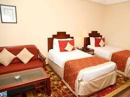 lavishly appointed deluxe rooms in colombo at taj samudra