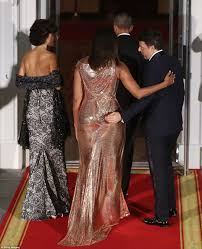 michelle obama wears versace gown at barack u0027s last state dinner