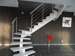 Rambarde Escalier Lapeyre by Escalier Blanc Limon Central Et Sa Rambarde Nos Escaliers