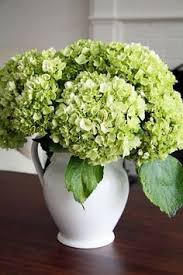 Centerpieces For Dining Room Tables Best 25 Dining Centerpiece Ideas On Pinterest Dining Table