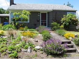 Flower Garden Ideas For Small Yards Diy Flower Bed Starts Landscape Front House Early Start Flowers
