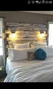 wohnideen schlafzimmer rustikal die besten 25 rustikale betten ideen auf