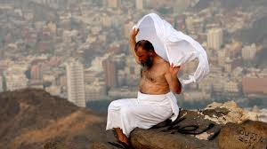the significance of the white clothes during hajj al arabiya
