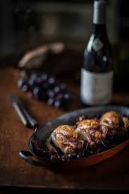 comment cuisiner les cailles cailles aux girolles et aux raisins noirs fontaine martin