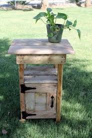 How To Make End Tables Out Of Pallets by Easy Little End Tables In 2 Hours Pallets Pallet Projects And Woods