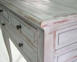 muebles decapados en blanco como decapar madera imagenes decoracion un mueble barnizado en