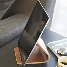 support tablette bureau support tablettes tactiles en bois sur allocadeau com idée
