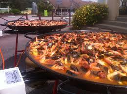 cuisiner une paella traiteur paella géante maison repas de fête traiteur paella à