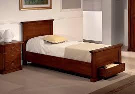 letto a legno massello letto singolo in legno massiccio