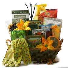 how to make a gift basket how to create a garden gift basket garden gift basket idea