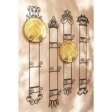 Shabby Chic Plate Rack by Simple White Plates Hung In Decorative Plate Racks U003d Cool Elegance