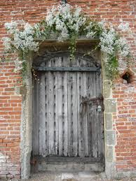 wedding arch no flowers beautiful frothy arch door no flowers all the way