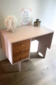 le de bureau vintage bureau vintage rénové et relooké par les jolis meubles