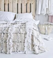 jeté de canapé blanc le jeté de lit en 44 photos pour trouver le meilleur plaid pour