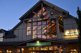 ll bean freeport maine flagship and outlet stores