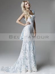 robe de mari e bleue de mariée dentelle blanc bleu longue sirène mousseline traîne courte