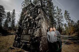 spokane wedding photographers engagement sneak peek spokane wedding