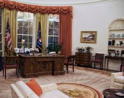 oval office decor president donald trump has started redecorating the oval office