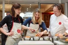 cours de cuisine chef cours de cuisine l école du canelé baillardran par l atelier des