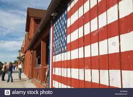 How To Paint American Flag Iowa Leclaire American Flag Painted On Side Of Wooden Building