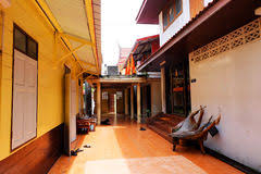 chambre de moine chambre de moine bouddhiste image stock image du tropical bouddha