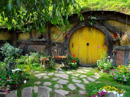 what hobbiton like poms away first hobbit hole