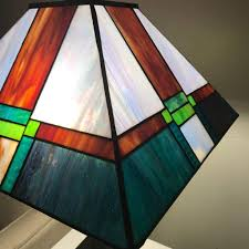 frank lloyd wright style stained glass table lamp mission style