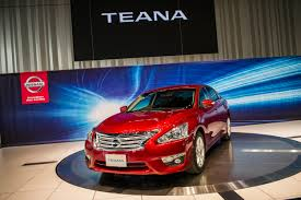 nissan japan all new teana makes japan debut