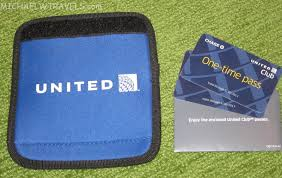United Luggage by Giveaway Win 2 United Club Passes U0026 A Luggage Handle Cover