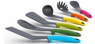 ustensile de cuisine design cuillere spatule fouet accesoire cuisine design c tendance