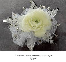 How To Make Corsages And Boutonnieres Corsages U0026 Boutonnieres Flower Wrist Corsage Bridal Bouquets