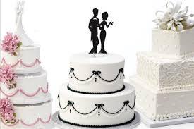 bridal cakes trend we supermarket wedding cakes bridalguide