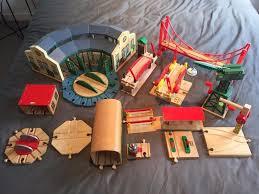 brio thomas u0026 friends big jigs wooden train track u0026 buildings