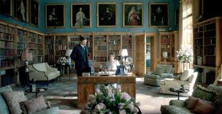 cote de texas behind the sets of the crown clarence house and finally there is this set the queen mother s private sitting room at clarence house this large library is quite attractive with its