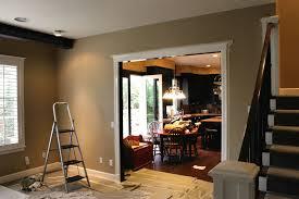 柏忠毅 的 The Daily Biff Home Renovation Project Back Patio - Paint family room
