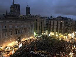 hundreds gather in support of ministers to protest spanish